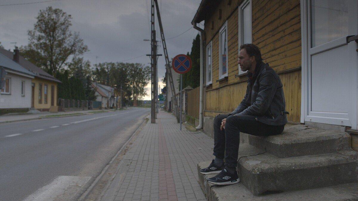 film POLLYWOOD - Krsnosielc-ulica-Ferdek-fot.-Nicolas-Villegas