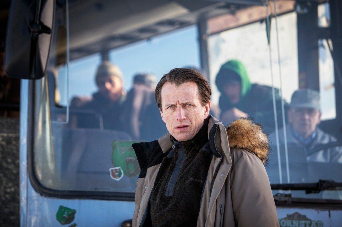 Miasto niedźwiedzia (Björnstad)_Mats-Erdahl_Tobias-Zilliacus_Photo-Niklas-Maupoix-(c)-HBO-Nordic