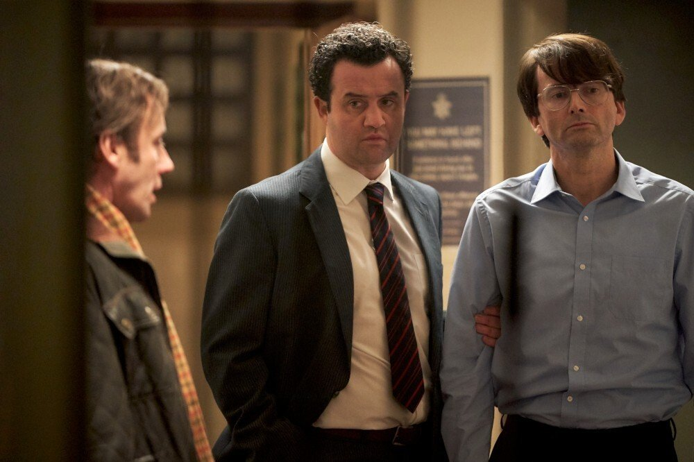 miniserial Des - Daniel Mays jako DCI Peter Jay & David Tennant jako Dennis Nilsen © New Pictures and all3media international-1000